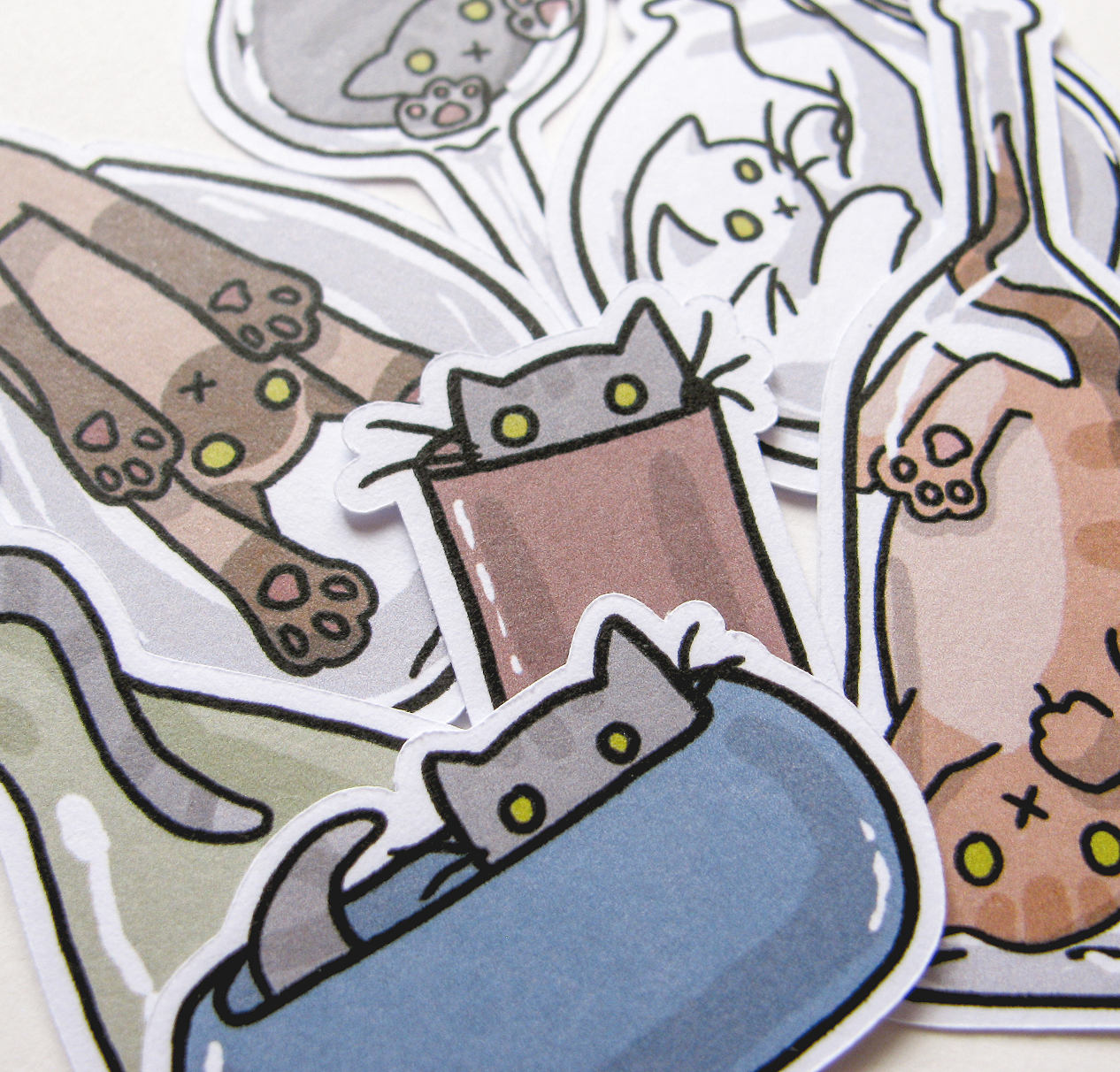 Cats N Glass Sticker Flakes