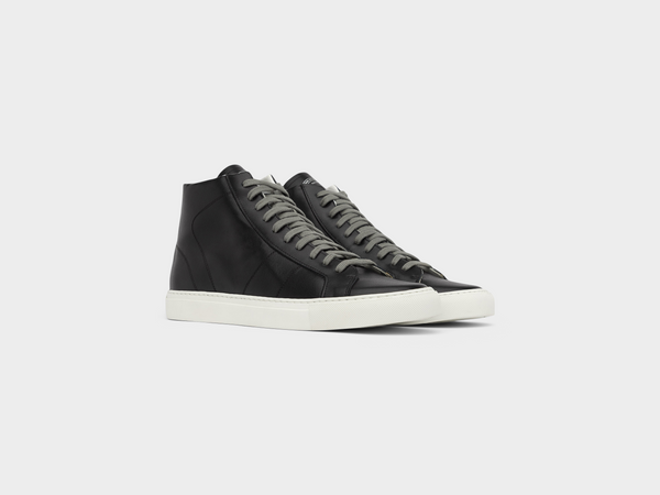 Women's Star2.0 in Black Recycled (RE:new)