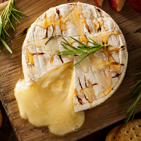 Baked Brie & Crackers