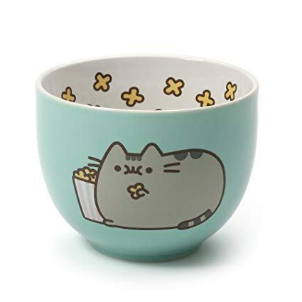 Pusheen with Popcorn Bowl