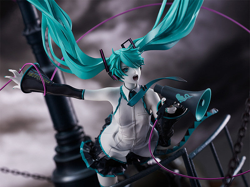 Character Vocal Series 01: Hatsune Miku Hatsune Miku: Love is War Refined Ver. -Good Smile Company 20th Anniversary Book-