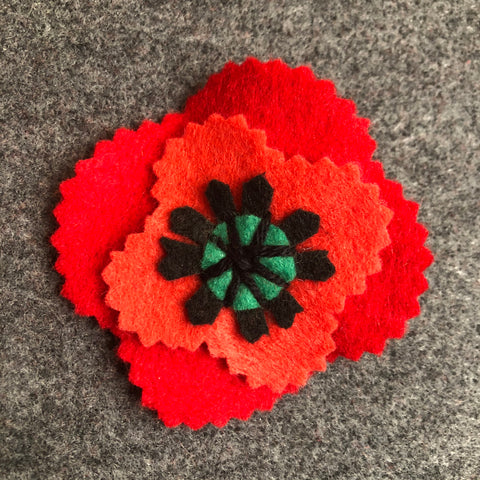jacquie-blondin-knots-and-stitches-felt-poppy-1