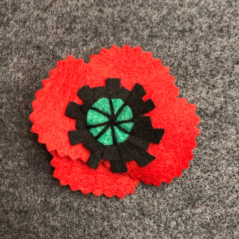 jacquie-blondin-knots-and-stitches-felt-poppy-2