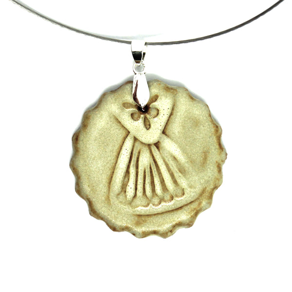 Scalloped Flower Power Pendant Necklace