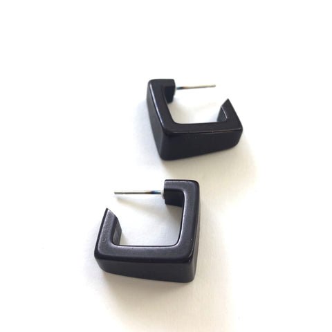 black earrings square