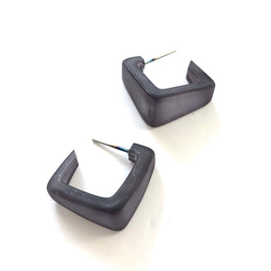 dark grey square hoops
