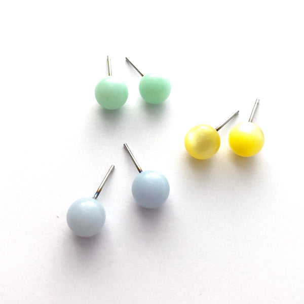 small lucite studs