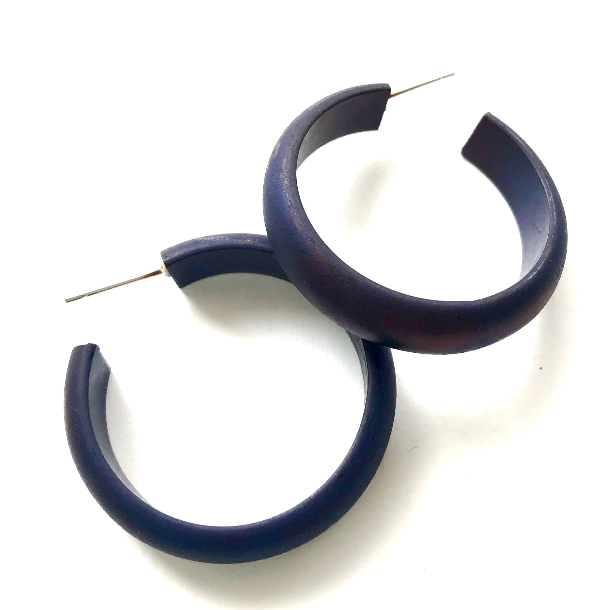 navy blue hoops