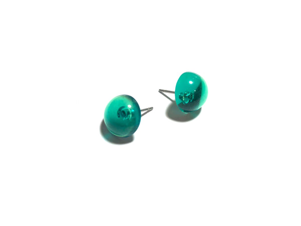 emerald green stud earrings