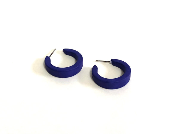blue tapered hoops