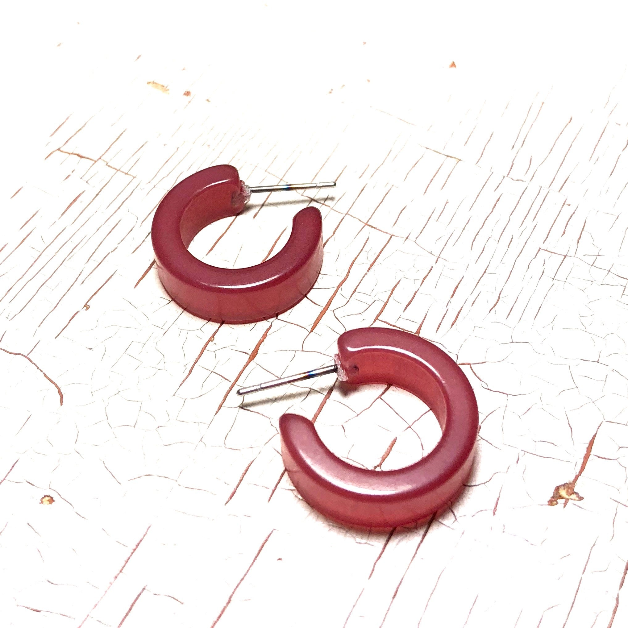 wine red hoops