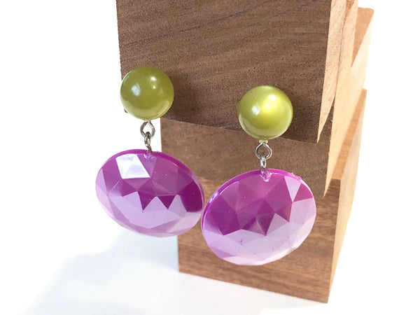 violet earrings with green
