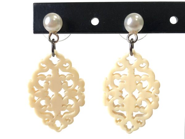 beaded earrings ivory