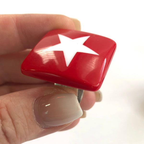 Red & White Star Lucite Silver Cocktail Ring