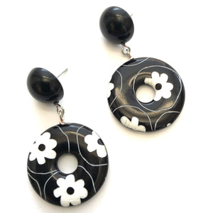 Carved Daisy Black & White Donut Drop Earrings