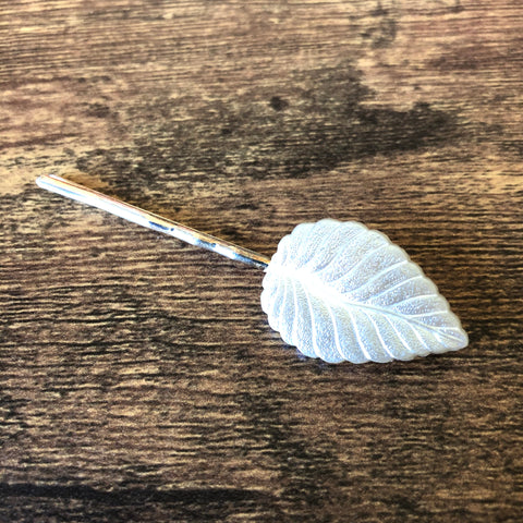 Pearl White Leaf Hairpin