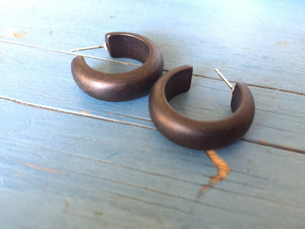 small black hoops