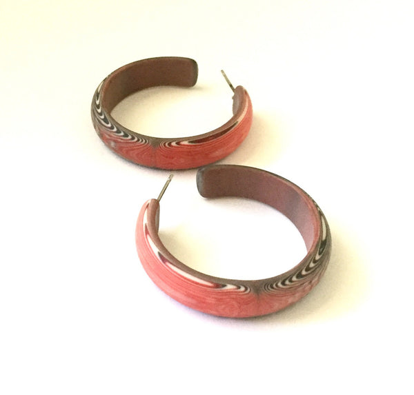 frosted marbled red hoops