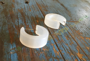 white moonglow mod hoops