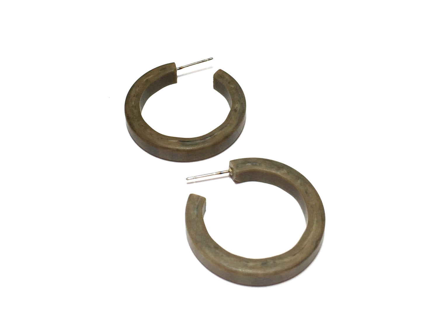 Pin up brown hoops