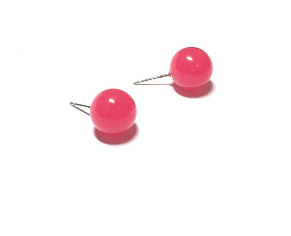 stud earrings fuchsia
