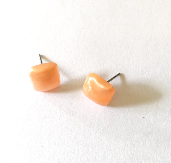 stud earrings peach square