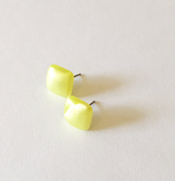 square studs yellow