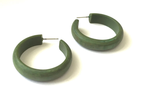 Green retro hoop earring