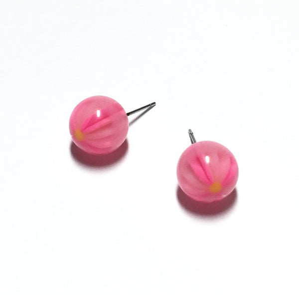 flower earrings pink