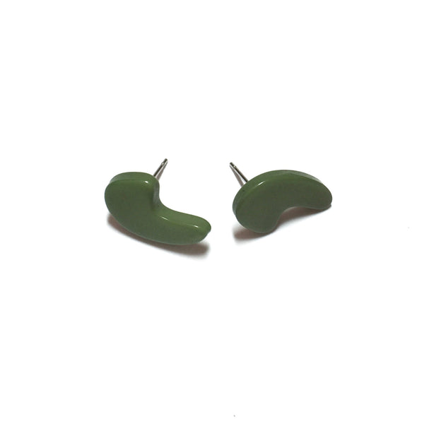 green comma earrings