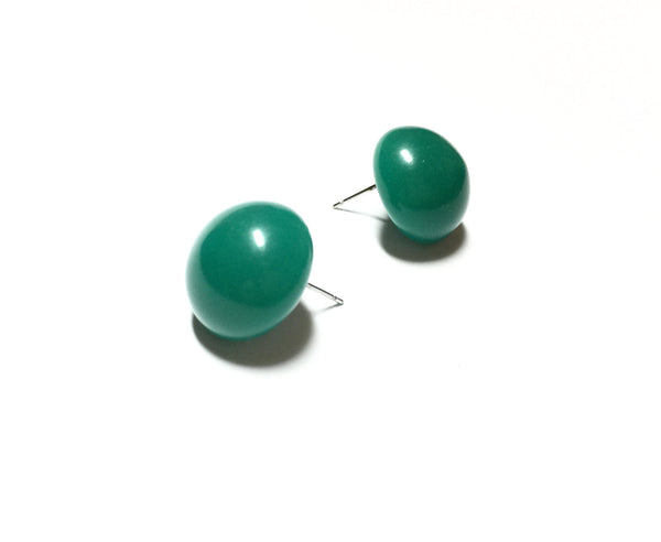 emerald green retro button earrings