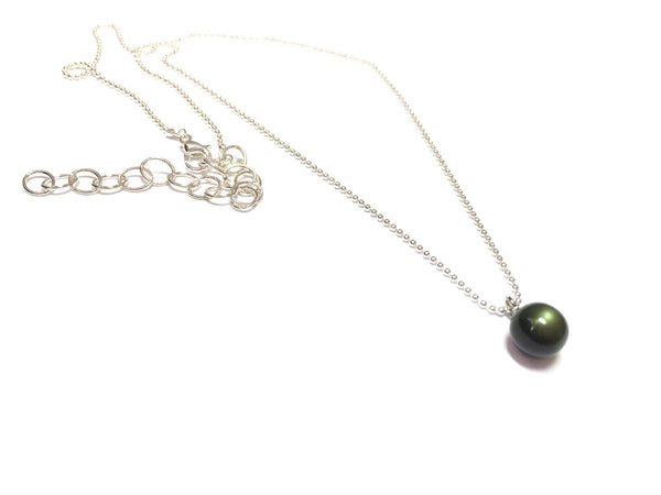 green simple necklace