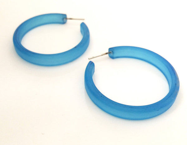 frosted aqua hoops