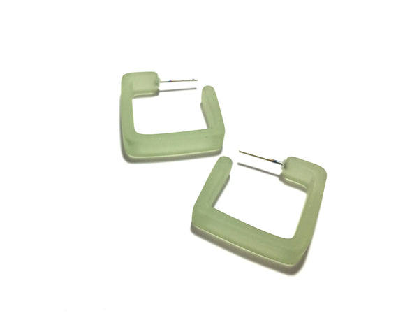 peridot square hoops