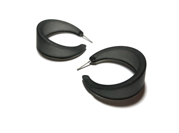 charcoal grey marilyn hoops