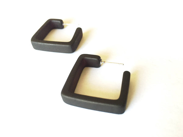 square black hoops