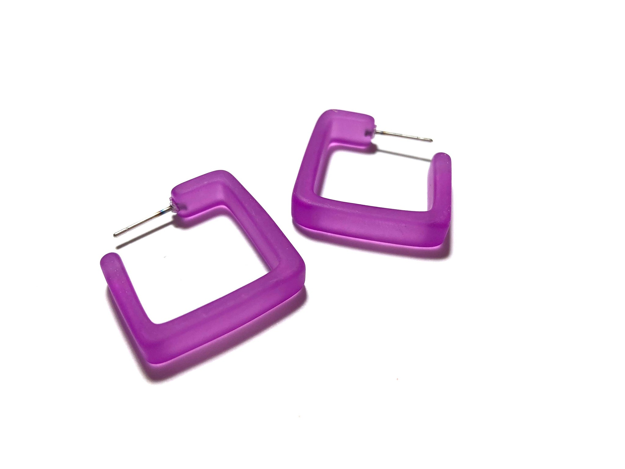 square earrings violet