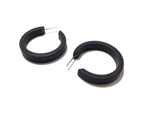 perfect black hoop earrings