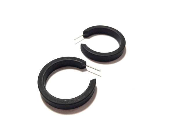 medium size black hoops