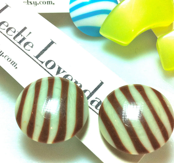 vintage lucite stripe earrings