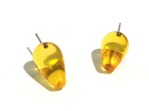 yellow spike studs