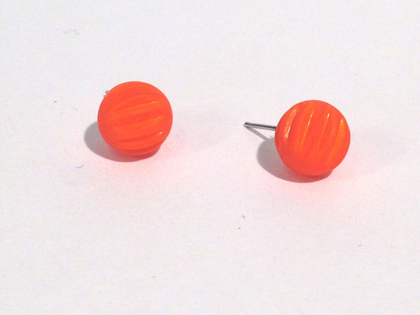 ribbed orange studs