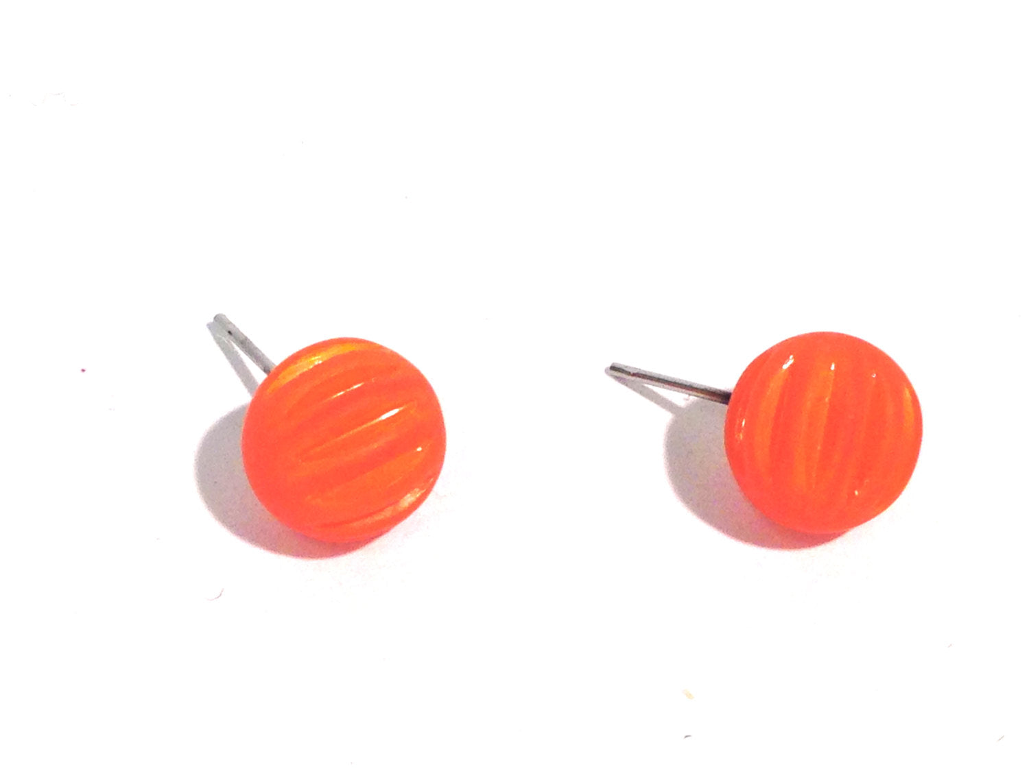 orange corrugated studs