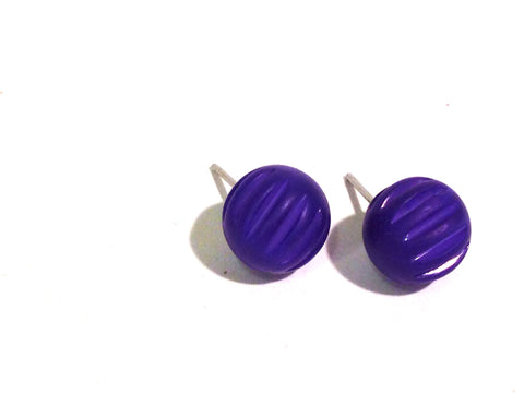 corrugated bright blue studs