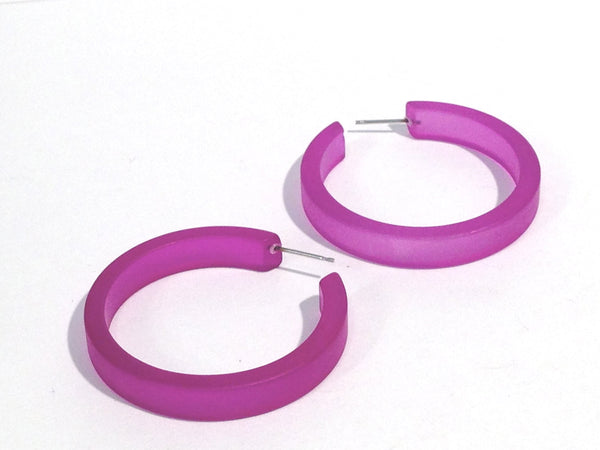 violet classic earrings