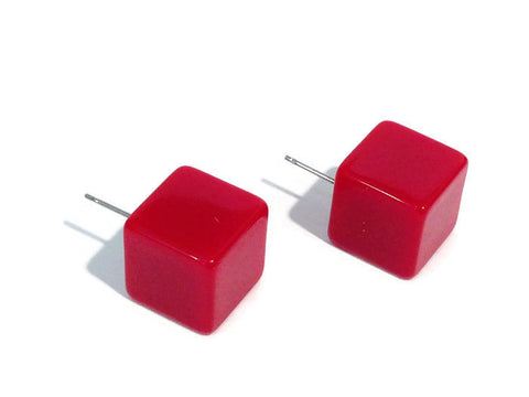 red cube studs