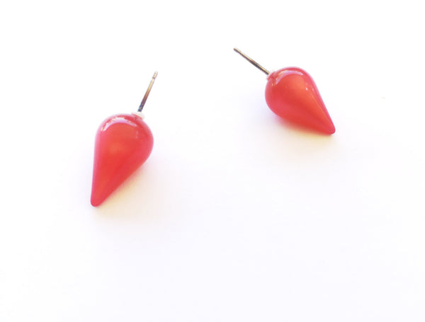 pointy stud earrings