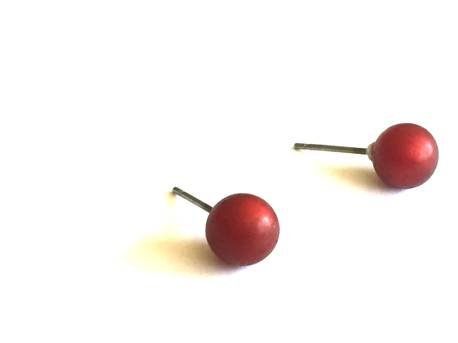 red moonglow 8mm studs