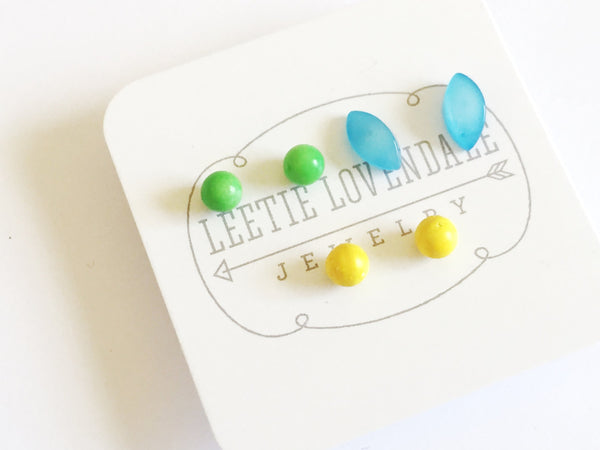 stud earrings lucite set