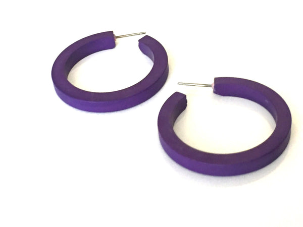 dark blue hoops